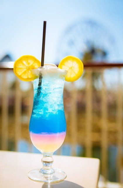 Disneyland Bar Crawl Guide - Disney Tourist Blog #disneylandfood