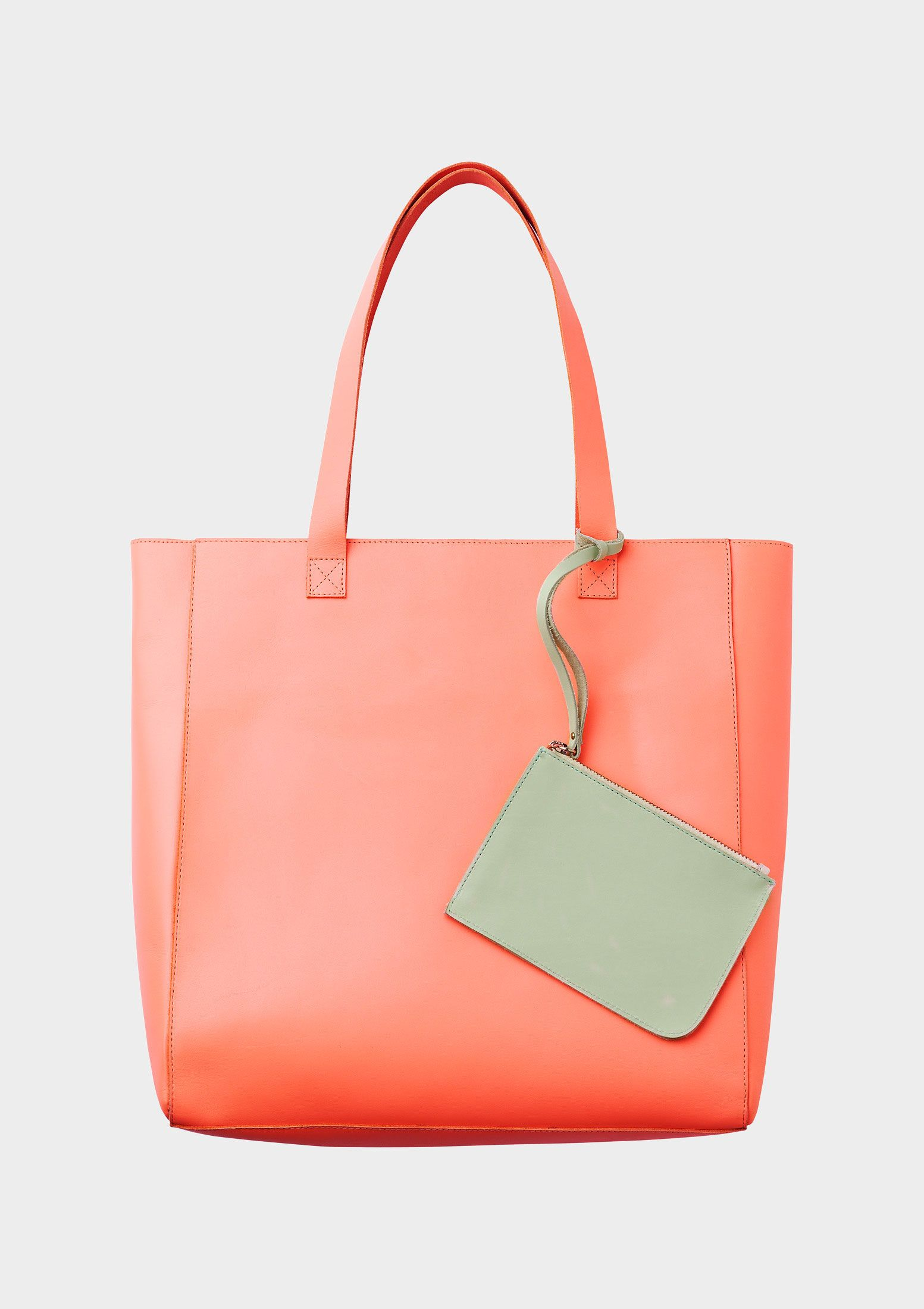 Love this CABAS SOLETA bag from Veja 92b055fcd7b48