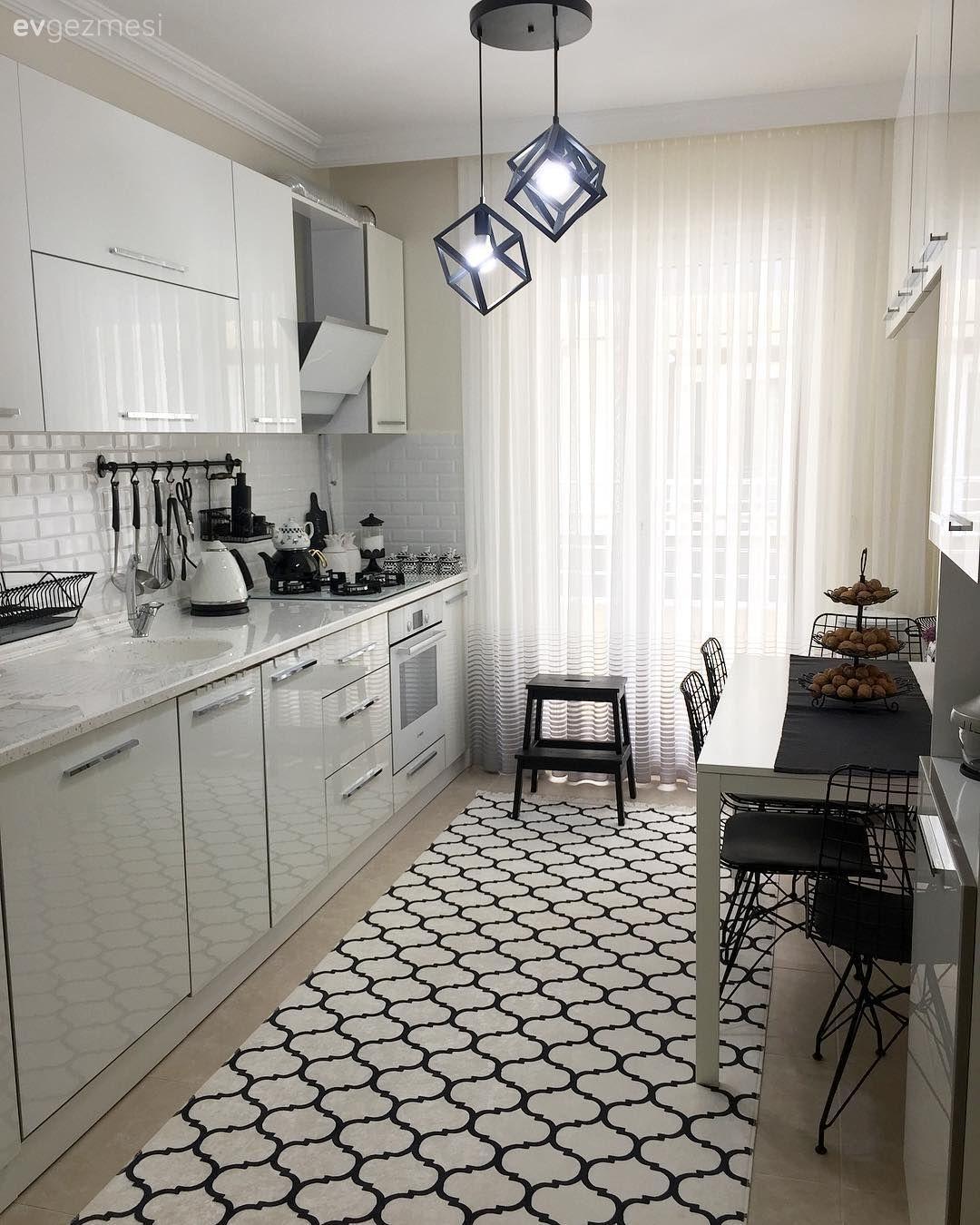 Bu Dubleks Evde Estetik Kadar Kullanislilik Da On Planda Ev Gezmesi Luks Mutfaklar Beyaz Mutfaklar Ic Tasarim Mutfak