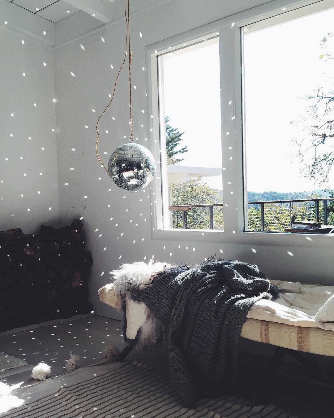 Se Det Här Fotot Av Kendrasmoot På Instagram Gilla - Disco lights for bedroom