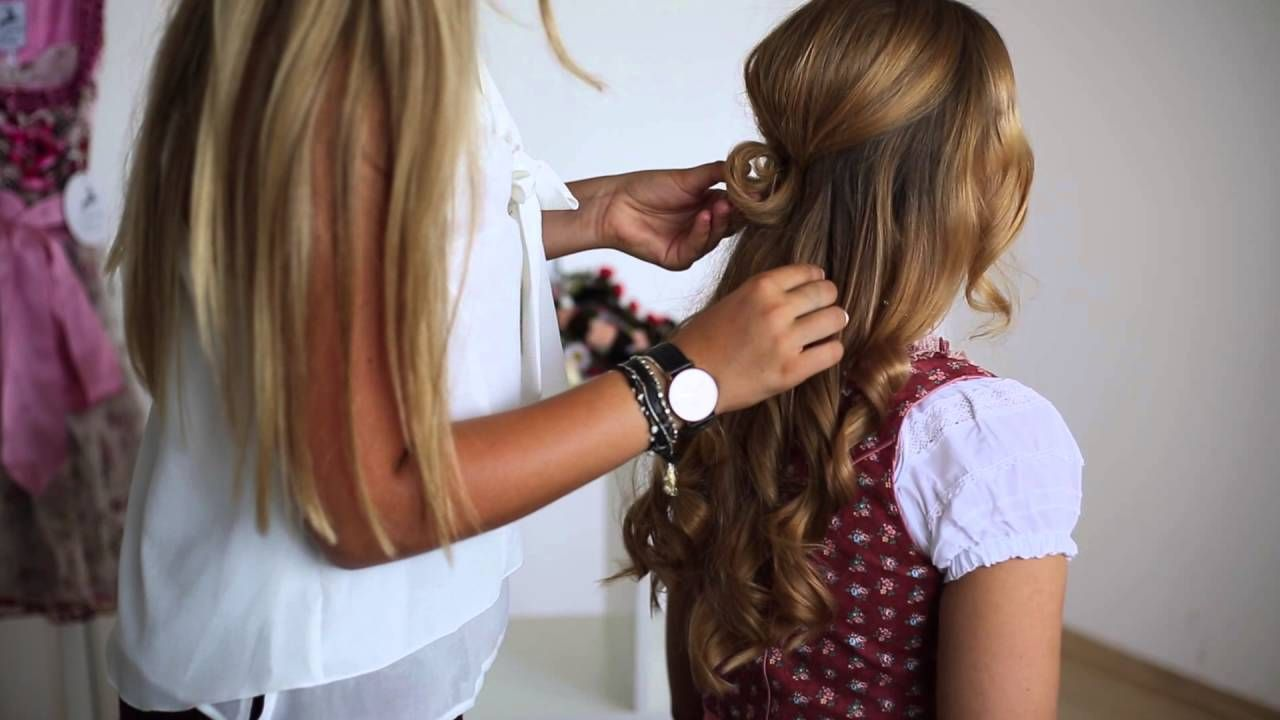Stylische Dirndl Frisuren Tutorial 2 Von Ludwig Therese Youtube Dirndl Frisuren Haar Styling Dirndl Frisuren Kurze Haare