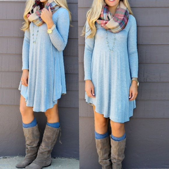 🇱🇷gypsy dress🇱🇷 A baby blue oversized long sleeve dress, wear it up or down, the possibilities are endless. So classy, so chic!! Dresses Midi