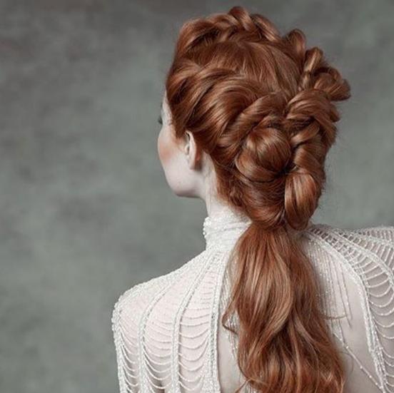 تسريحات شعر 2021 للاعراس فنانات مناسبات تسريحات شعر 2021 الصفحة العربية Hair Styles Long Hair Styles Wedding Hairstyles For Long Hair