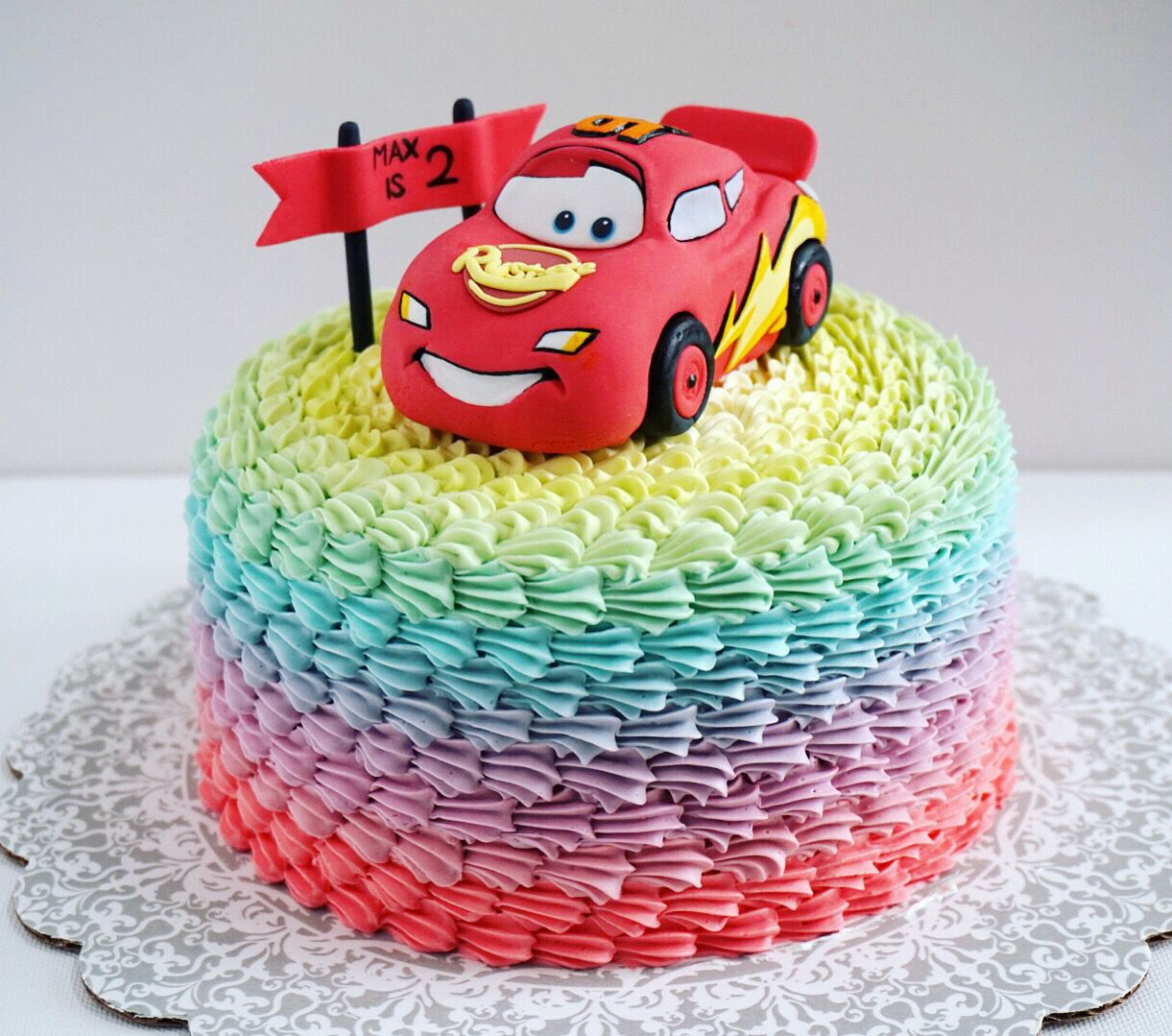 Lightning McQueen rainbow cake Decorao com Chantyninho