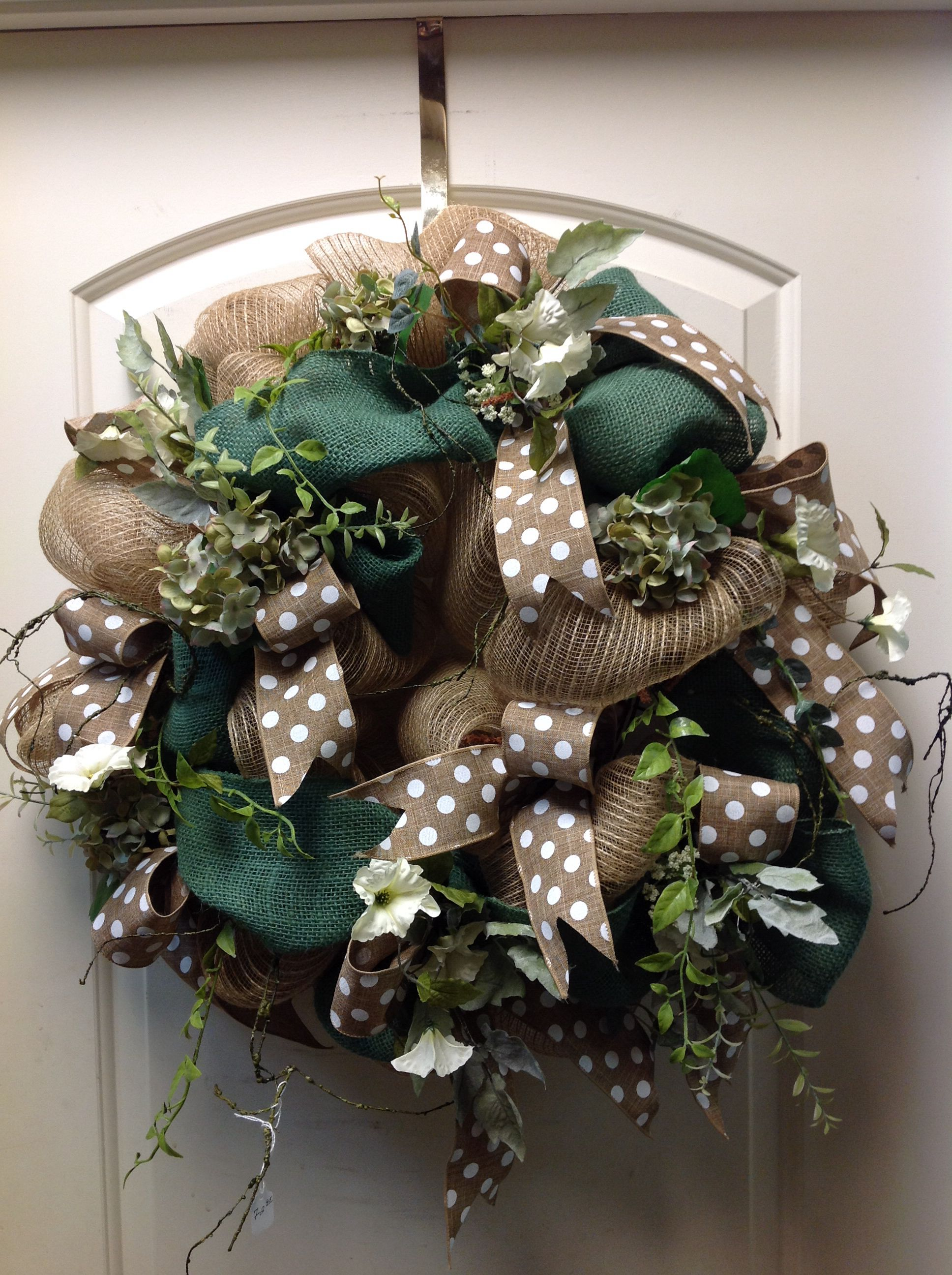 Burlap wreath Diy wreath, Christmas wreaths, Wreaths