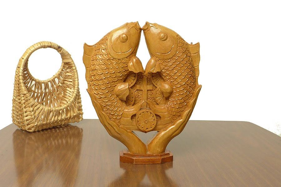 Vintage Hand Carved Praying Hands Fish Cross Light Wood Statue