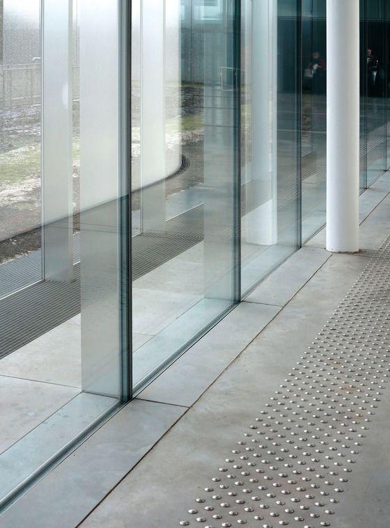 Pin von buzuohaoren auf ideas for the house pinterest architektur glasfassade und - Japanische innenarchitektur ...