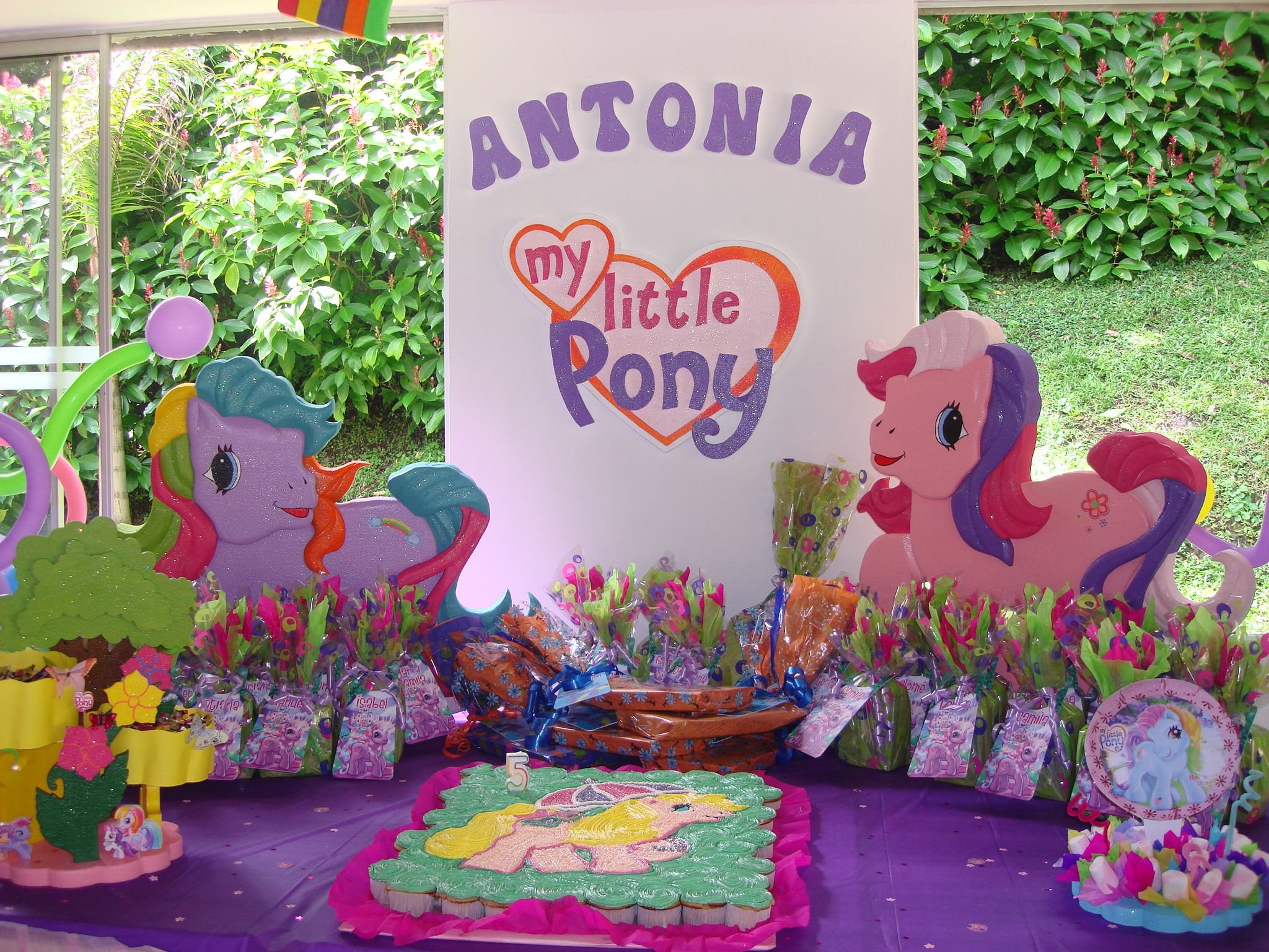 DECORACIONES INFANTILES: my little pony | viole cumple | Pinterest ...