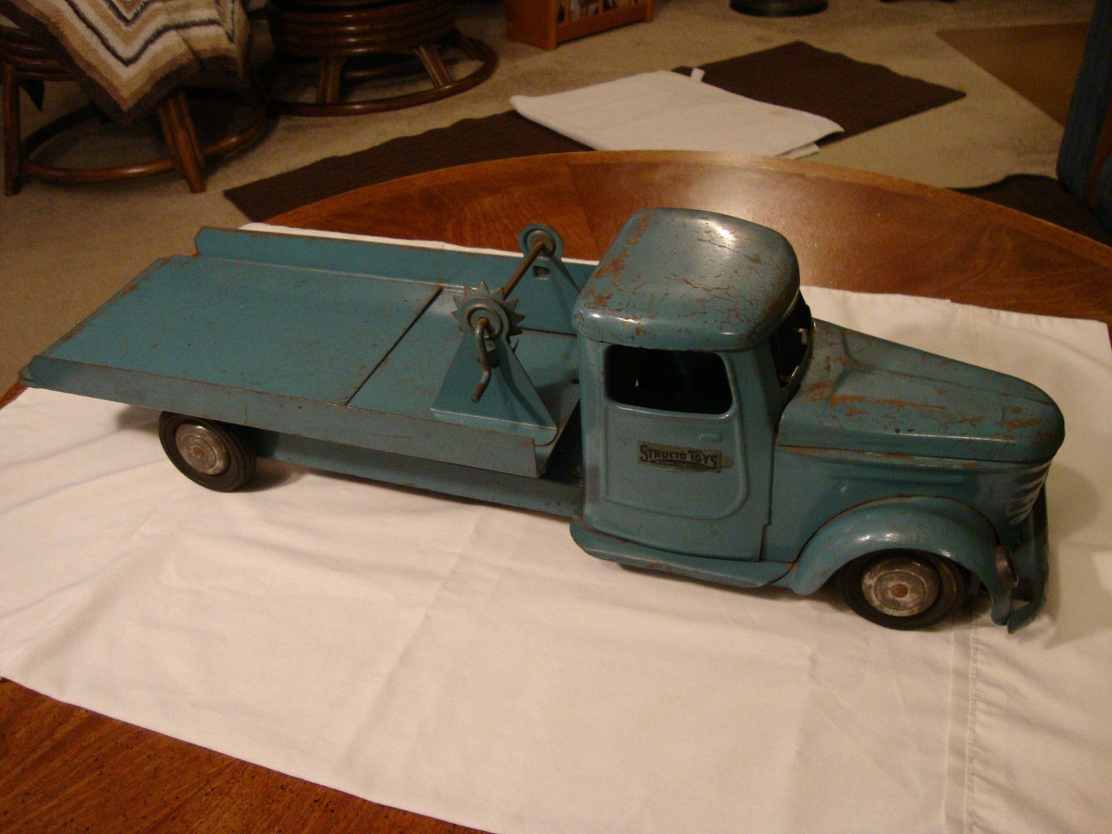 Vintage 1950's Structo Pressed Steel Toy Tow Truck Wrecker Flat Bed Rare Blue https://t.co/DFA9LxlQyX https://t.co/9E3H9Z6ljN