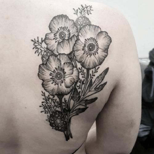 tatouage-coquelicot-epaule-noir-et-gris (500×500) | whats