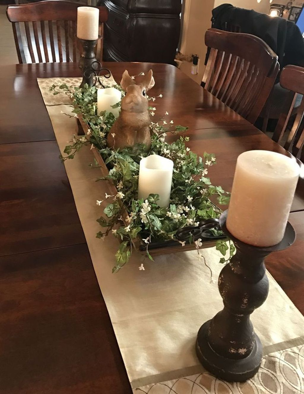 44 Catchy Spring Centerpiece Ideas To Celebrate The Season Spring Table Decor Dining Room Centerpiece Dining Room Table Centerpieces