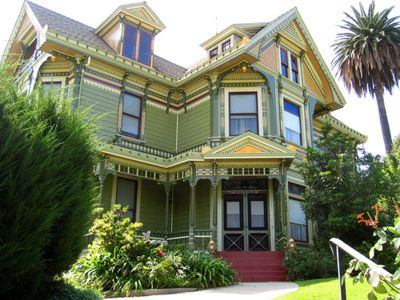 I want to see inside this Victorian home.