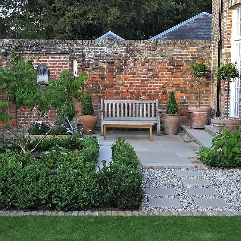 Multi Level Linear Garden Hertfordshire | Garden design ...