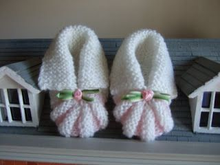 Too Many Hobbies Not Enough Time Knit Baby Booties Knit And