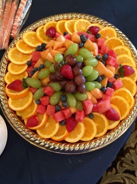 4 Ideas Para Decorar Bandejas De Frutas Sansae Sansae Bandejas De Frutas Platos De Frutas Bandejas De Comida