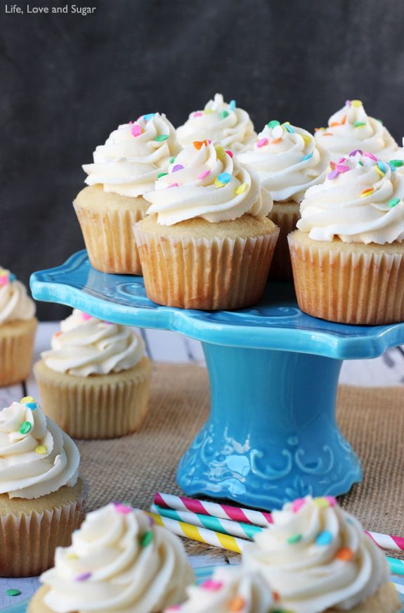 Perfect Vanilla Cupcake Recipe Easy Cupcake Recipe Recipe Easy Cupcake Recipes Vanilla Cupcake Recipe Cupcake Recipes