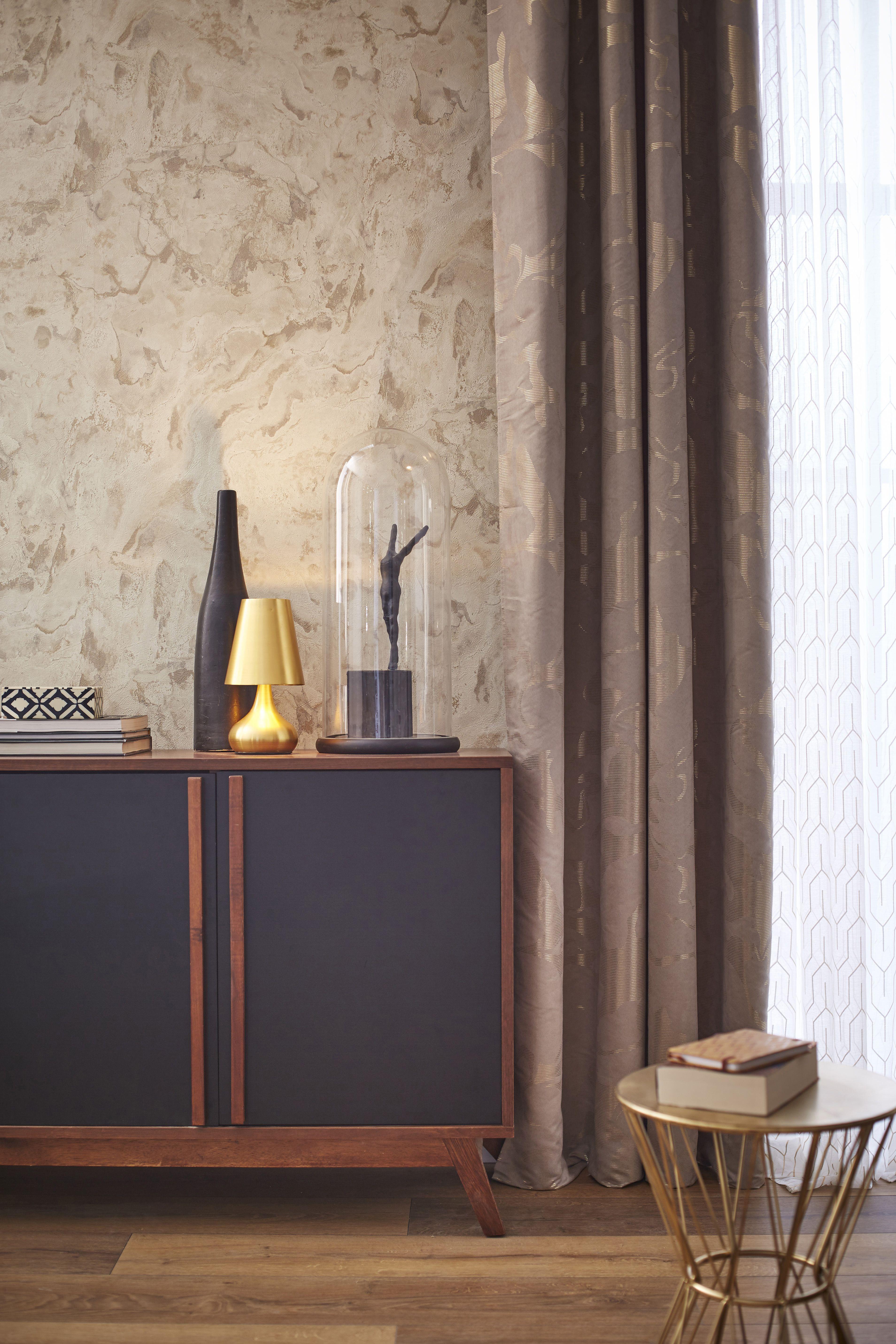 Papier peint intiss marbre beige pour un salon cosy leroymerlin tendance ideedeco salon with for Voilage deco