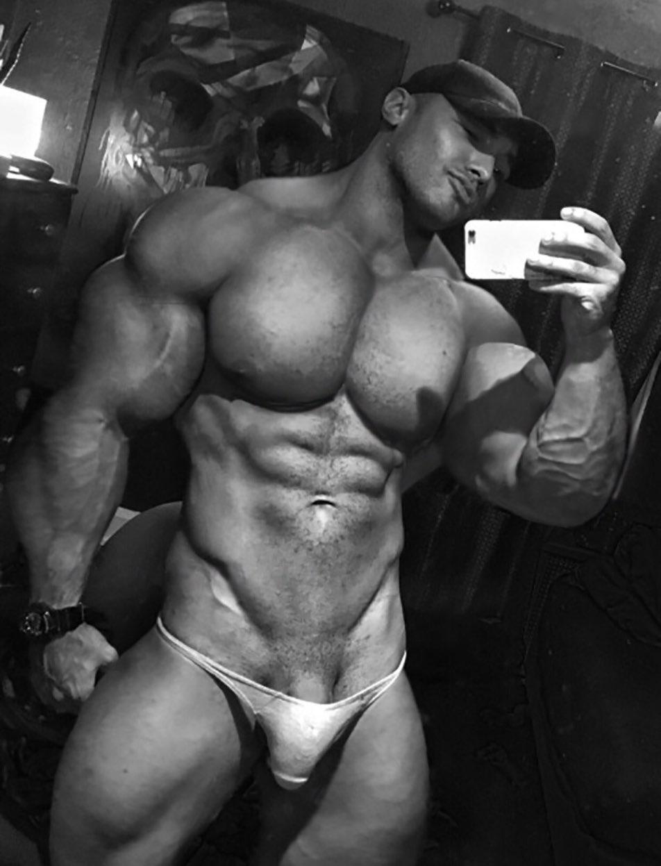 black-gay-body-builders-giant-penis-penetrations