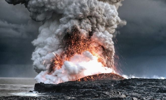 Most Spectacular Active Volcano Photos in The World: Kilauea volcano in Hawaii