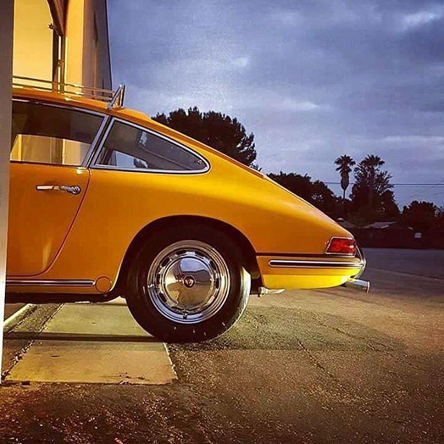 WEBSTA @ 911vintage - 🌞📸... 911vintage .... 🌞#porsche911 #porschevintage #porscheclub #porscheclassic #porschelife #porschelove #vintage #modernclassic #vintagecar #vintagecars #vintageporsche #temptation #look #love #luftgekühlt #aircooled #classic #classiccar #classiccars #classicstyle #classicporsche #beauty #beautiful #gentlemanchannel #early911 #keepitclassy #carrera