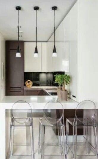 Barra De Cocina Las Sillas Pueden Ser Transparentes Para No Anadirle Peso Al Ambiente Barra De Cocina Muebles Sillas