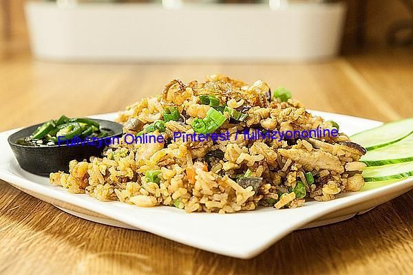 Fried RiceMaterials:140 g rice, uncooked, Jasmine rice 200 g of meat, such as thin chicken slices 100 g shrimp, small (optional) 2 Egg(he), beaten 1 handful car... #Asia #beefrecipe #bestrecipes #bestrecipesever #cereal #christmasrecipes #cookingsquash #dinnerrecipe #Dish #Egg #healthyrecipe #kitchenrecipes #Main #meat #morrocanrecipes #newrecipes #Poultry #recipes #recipescopycat #recipesdinner #recipestomake #regions #rice #Roast #seafood #vegetables