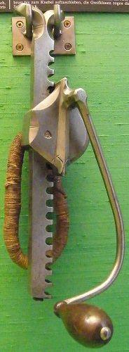 Austria Vienna Armoury crossbow cranequin