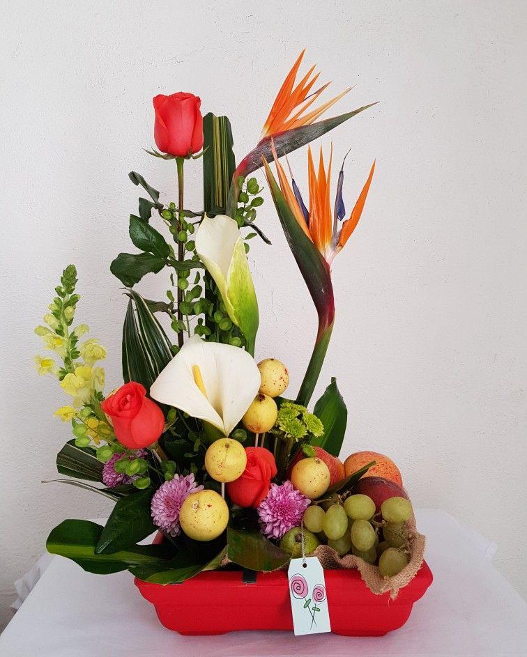Arreglo Floral Con Fruta Flores Postres Frutas Y Botanas