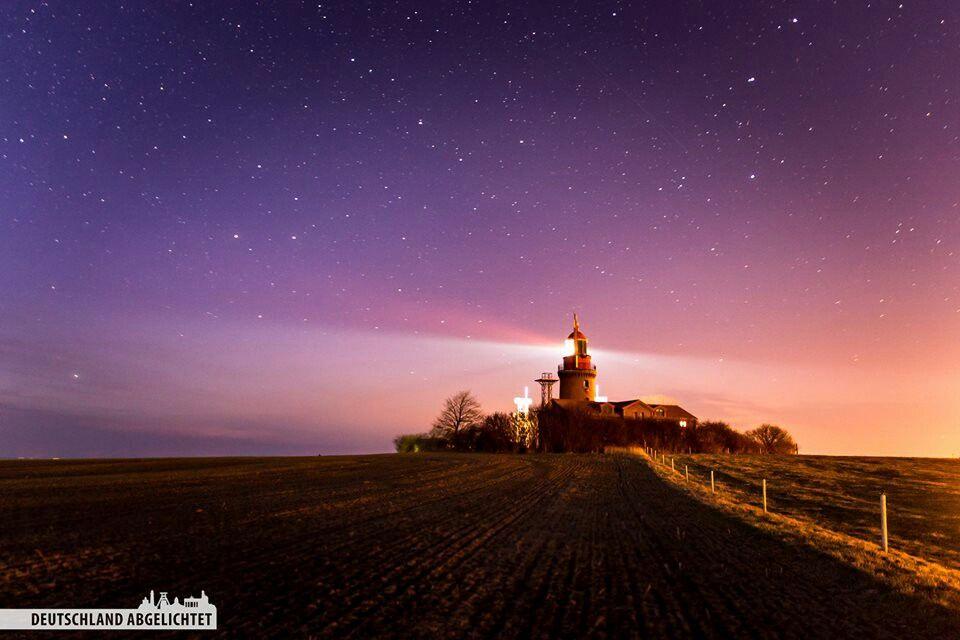 Leuchtturm Buk bei Nacht   Nachts   Leuchtturm, Leuchten