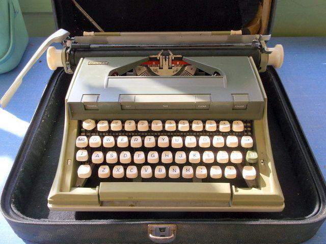 vintage manual sears typewriter two toned green typewriters rh pinterest com Craftsman Snowblower Manual Owner S Manual Craftsman 917