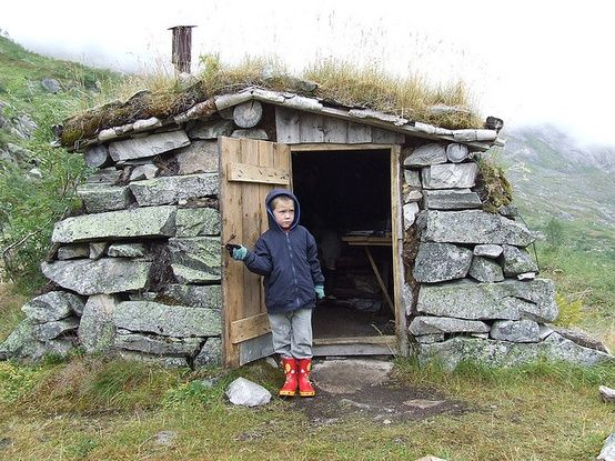 Small stone cabin plans if you 39 re into the underground for How to build a stone cabin