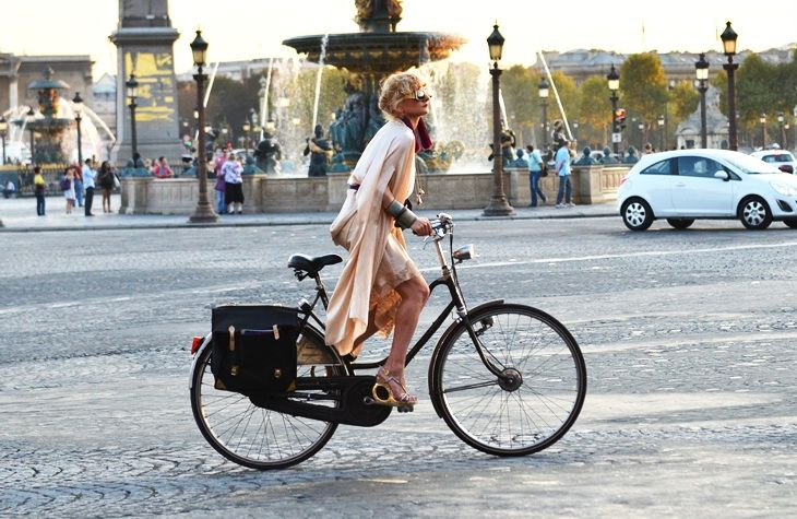 Style & Fashion in Paris. Bicycles Love Girls. http://bicycleslovegirls.tumblr.com