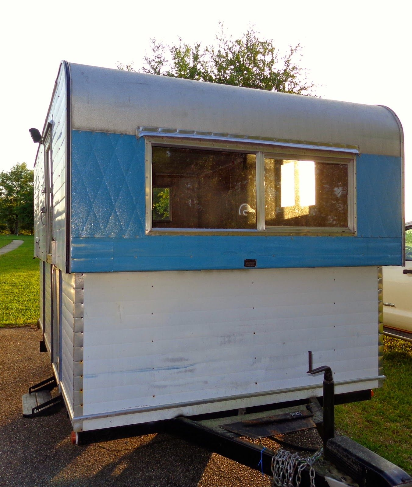 f241d9f53d Things and Stuff  Vintage Hi-Lo Camper Starting Point