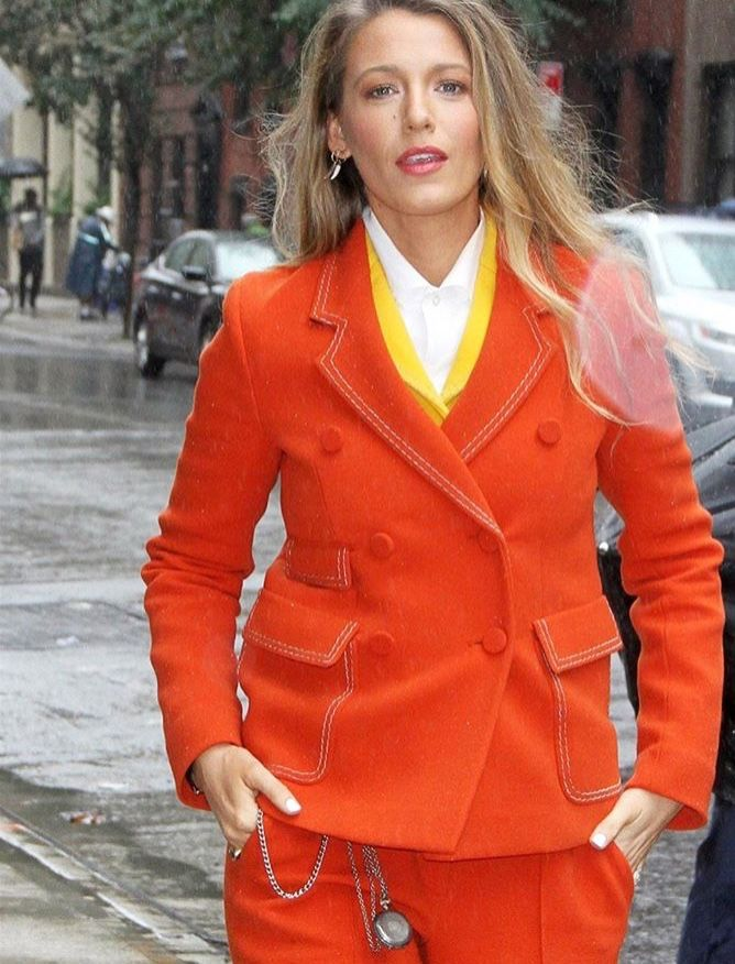 Pin by Romi on Blake Lively   Hat fashion, Minimalist
