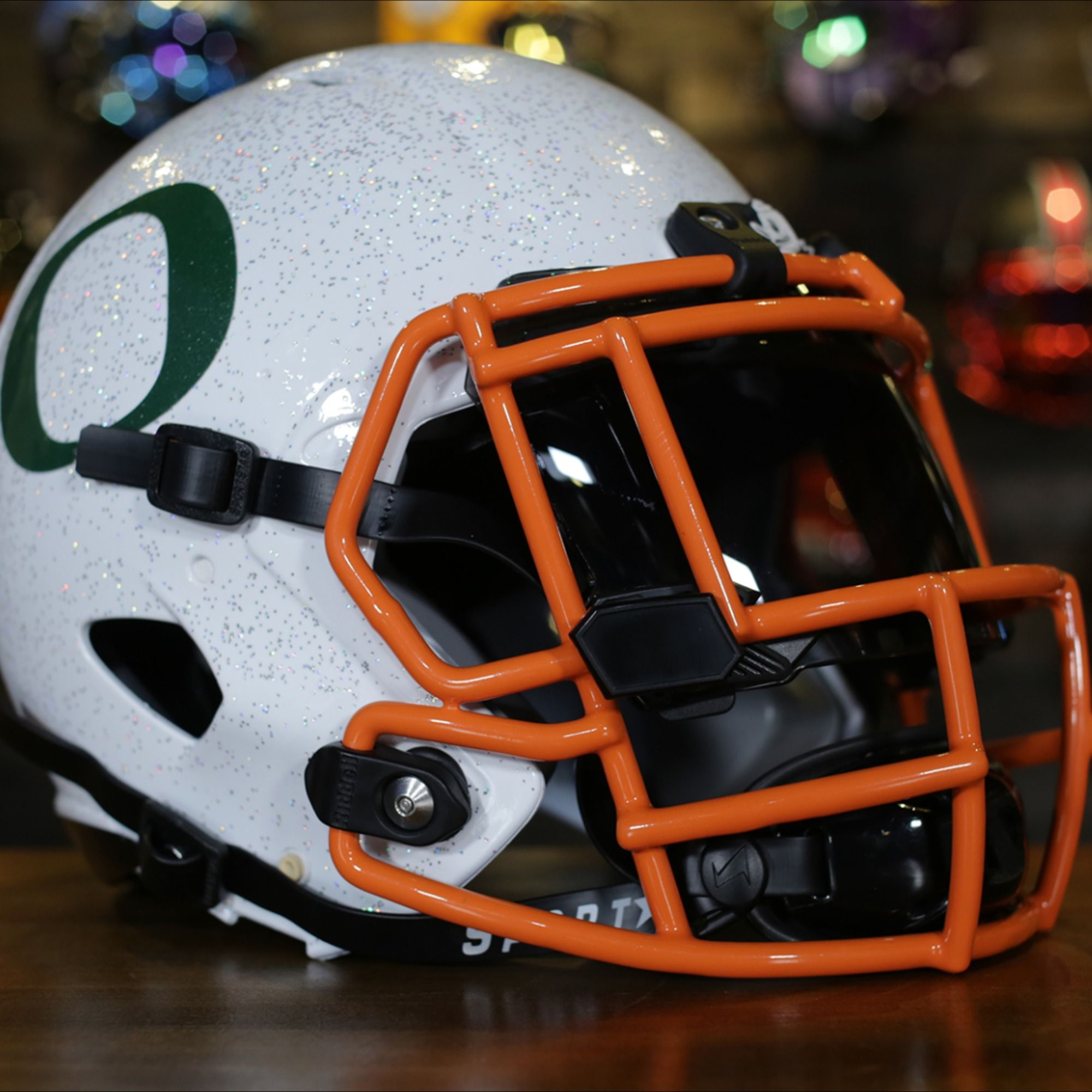 Custom Painted Oregon Helmet In 2020 Football Helmets Cool Football Helmets Helmet