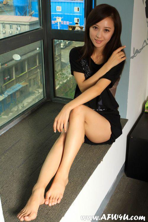 Sexy asian feet