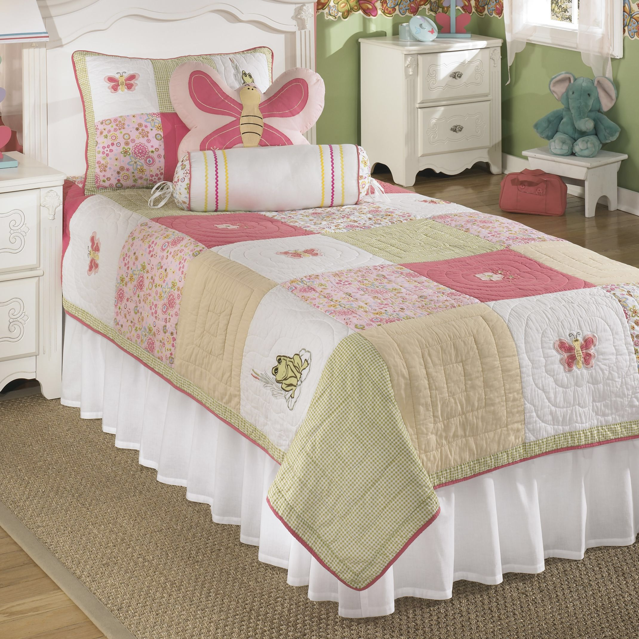 Signature Design by Ashley Adeline Comforter Set Bedding