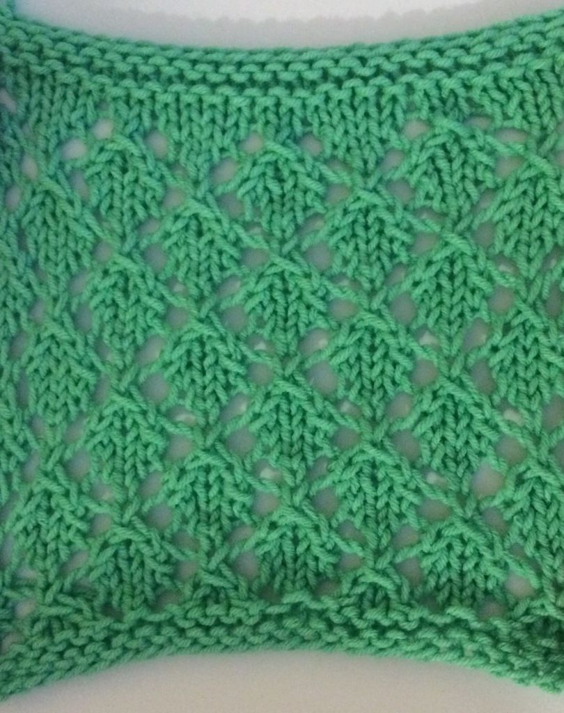 Point de tricot petites feuilles point de tricot - Point tricot facile joli ...