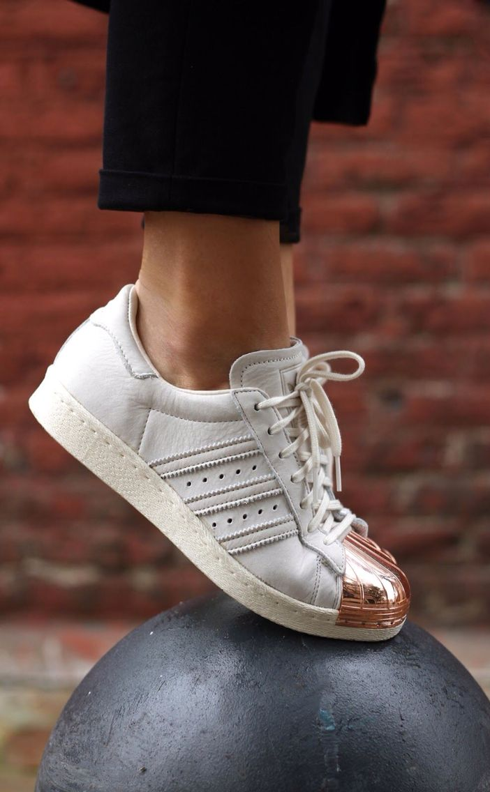 Ruina hermosa Colgar  adidas superstar copper toe. | Sneakers, Fashion shoes, Me too shoes