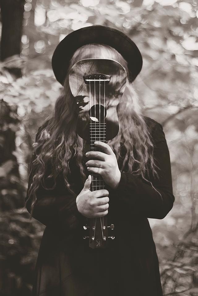 Press-Shot.6_ukulele_640