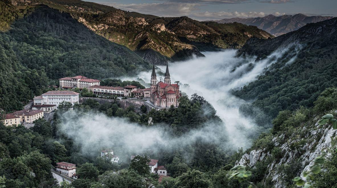 Place: #Covadonga / #Asturias, #Spain. Photo by Wilsonaxpe (flickr.com)