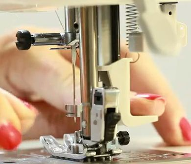 Auto Needle Threader