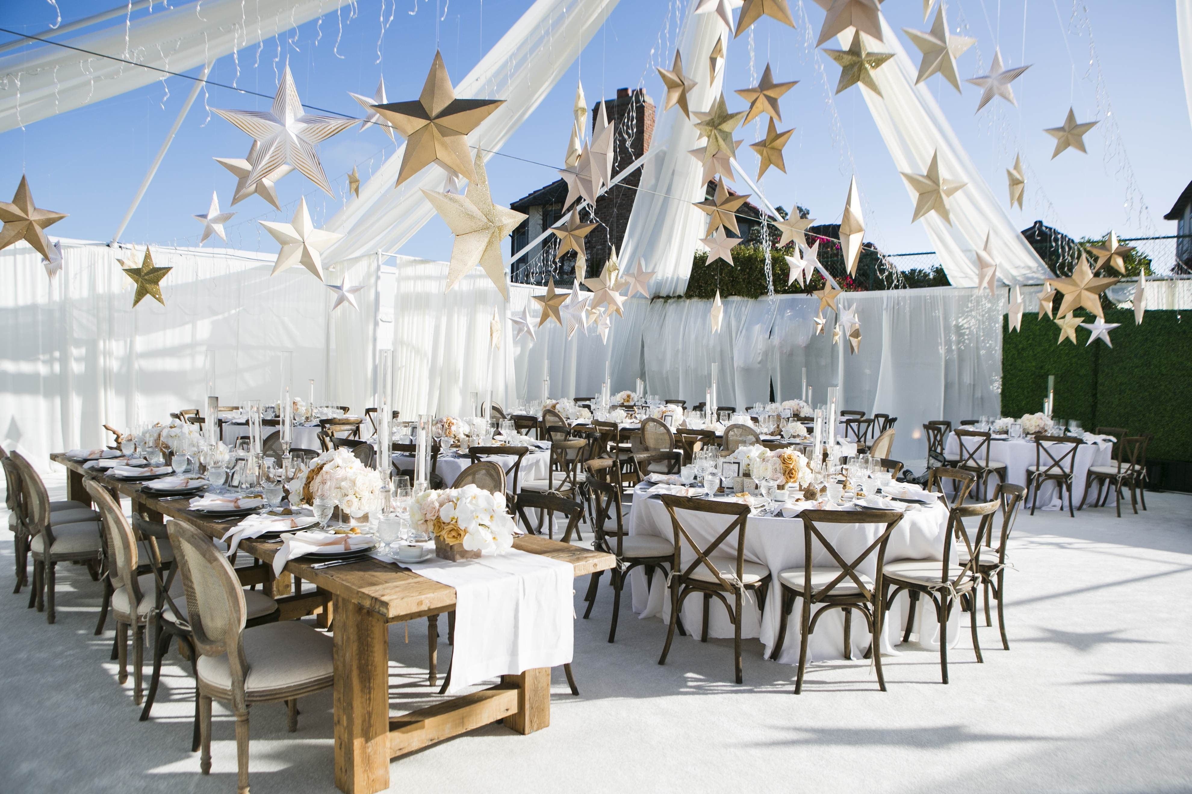 10 Wedding Chair Ideas That Will Add Glamour To Your Reception