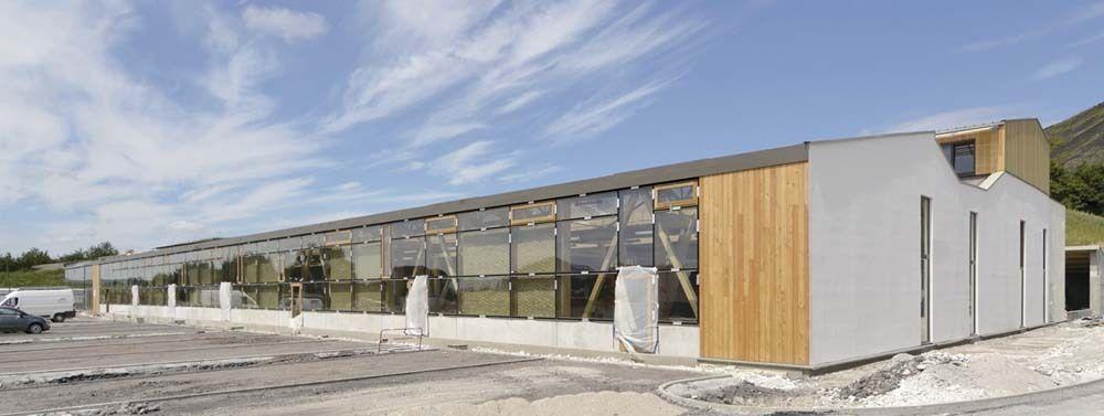 Ecoconstruction  murs Trombe dans un centre de formation d - fenetre pour maison passive