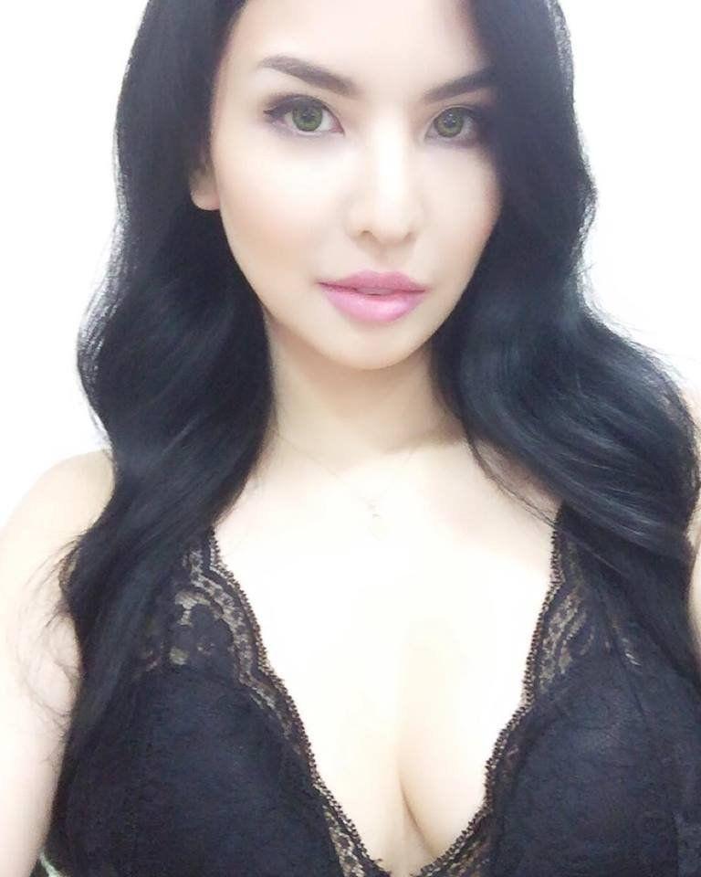 Curvy Asian Filipina Hot Sexy Torrid