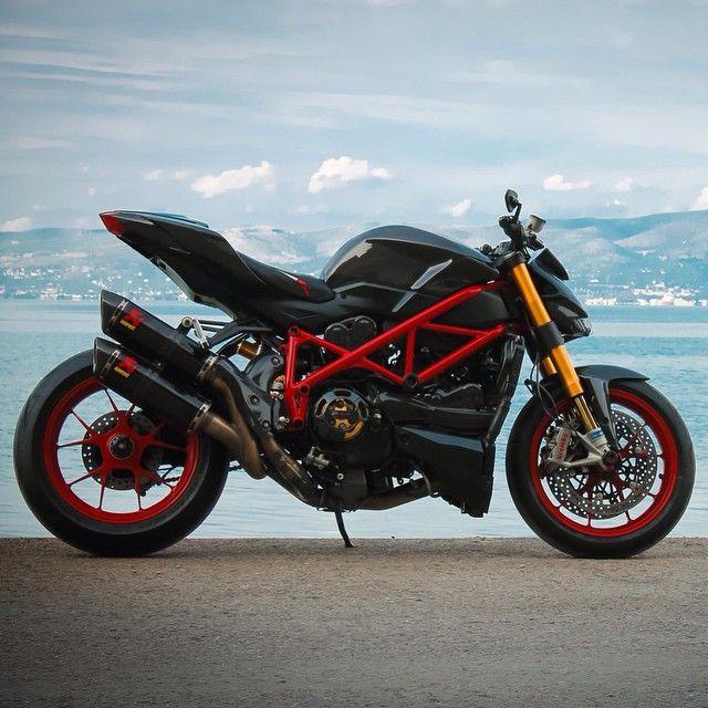 Épinglé par Nikos Papamichalis sur DUCATI | Ducati, Moto ...