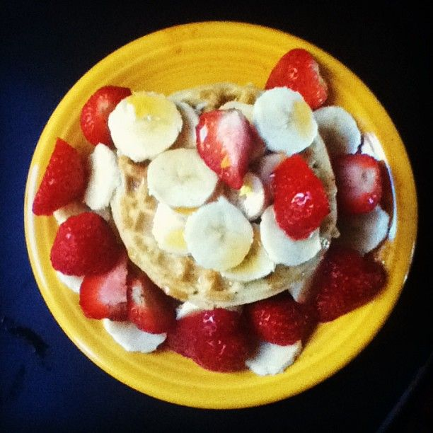 Waffles with strawberries and bananas