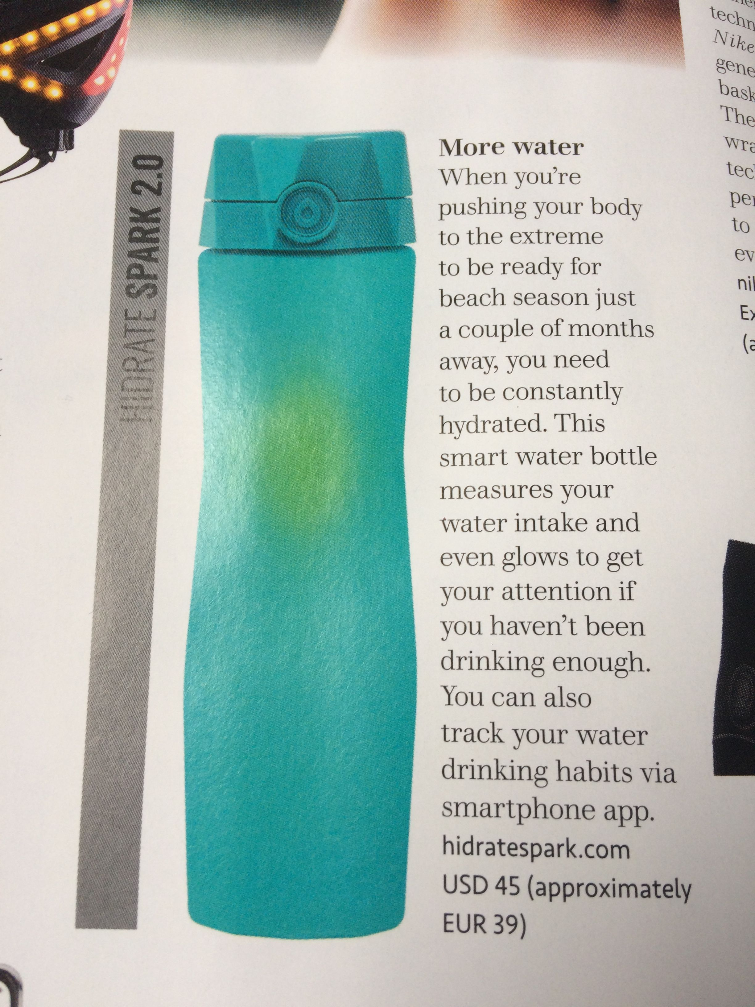 A smart water bottle measures your water intake and glows