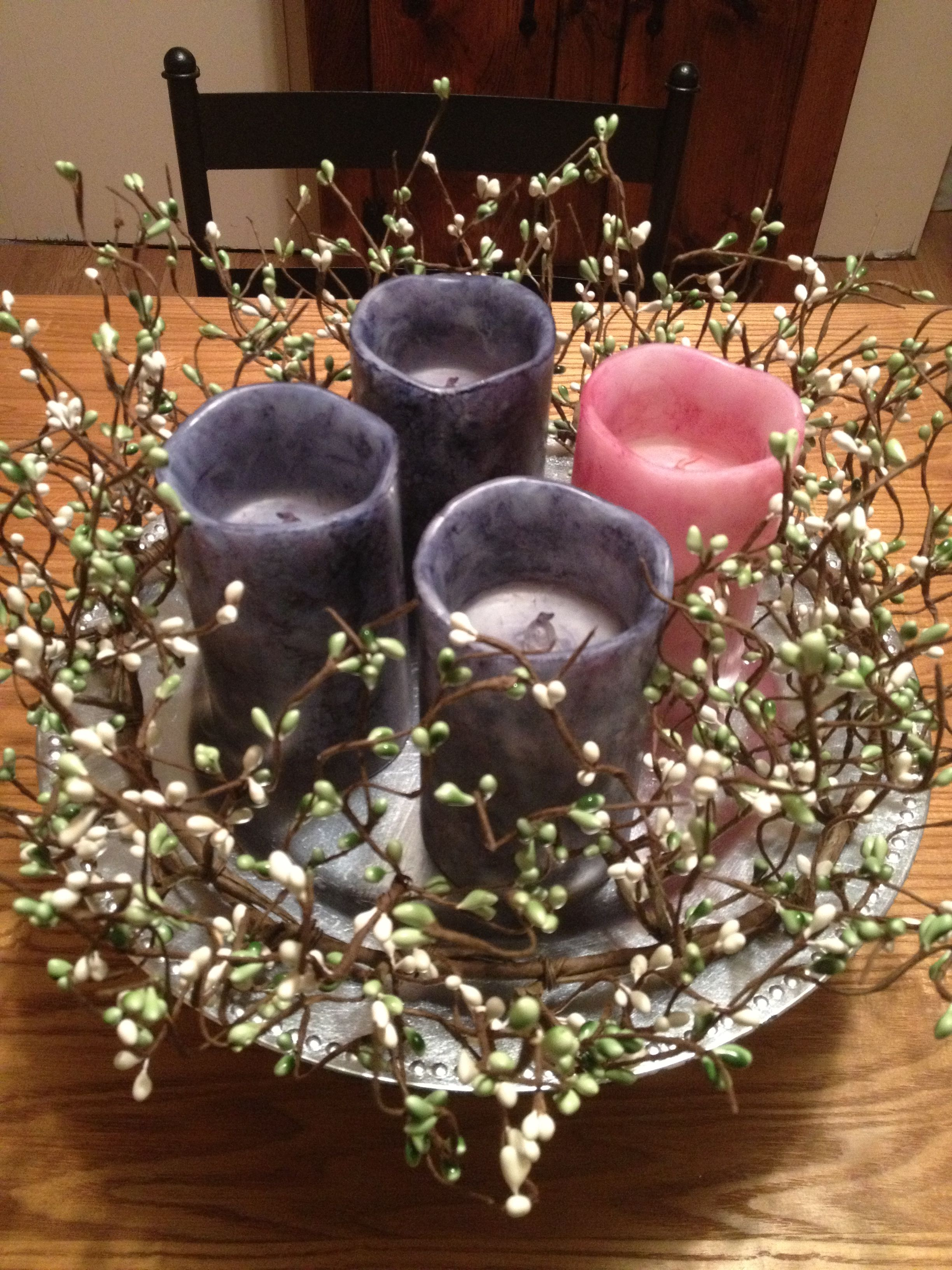 Simple, but modern and cute, advent candle wreath. White