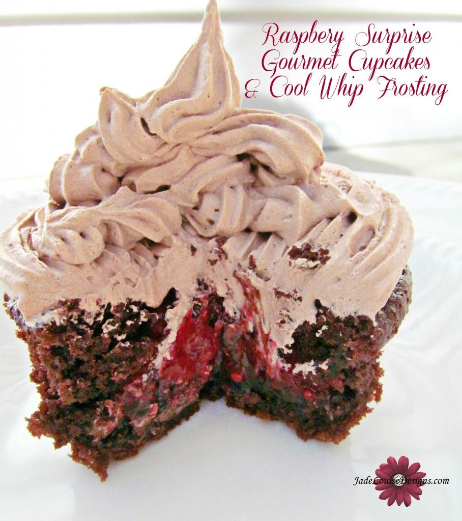 Raspberry Filled Gourmet Cupcakes Tutorial Coolwhipfrosting